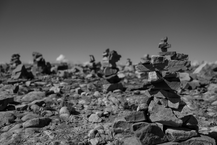 A whole pile of cairns (similar to our Canadian inukshuks) strewn about.